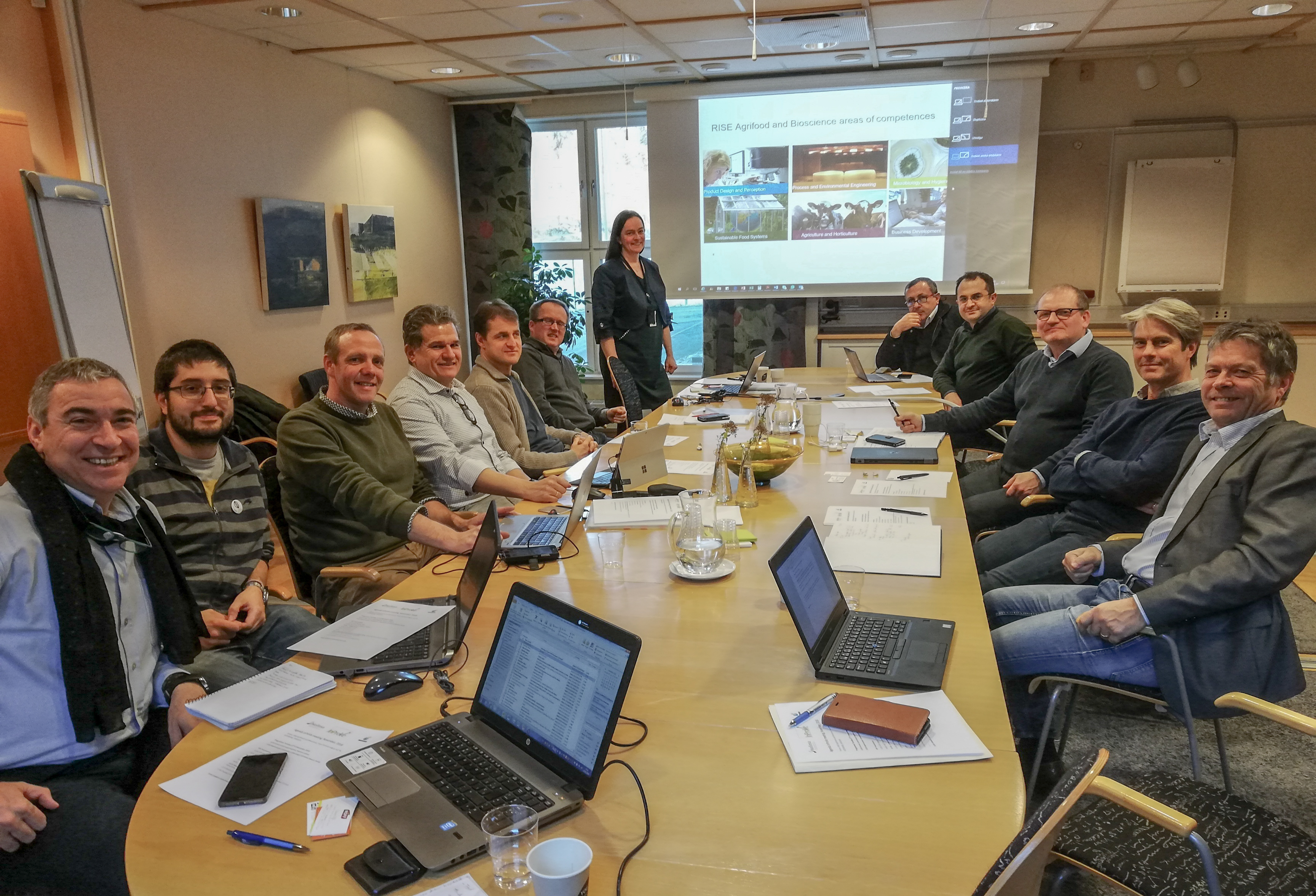 Happy researchers and industry partners in Gothenburg.